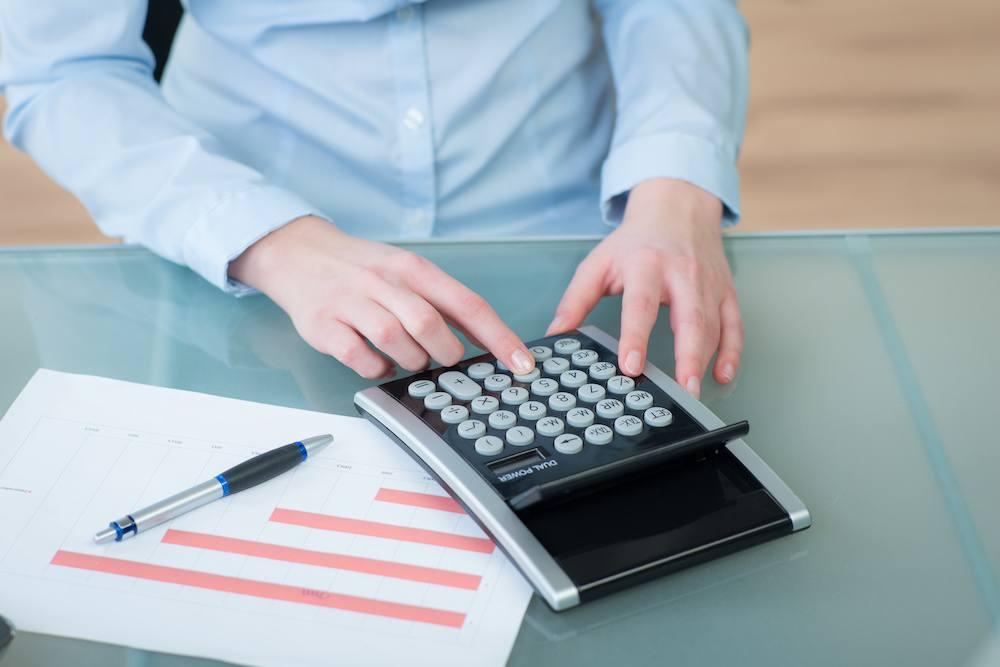 Calcul de la consommation d'énergie pour établir une facture mensuelle ou de régularisation