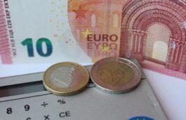 Calculatrice et billets en euros