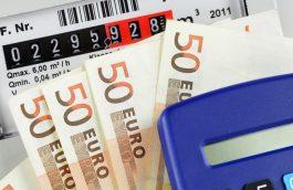 Compteur de gaz et billets en euros