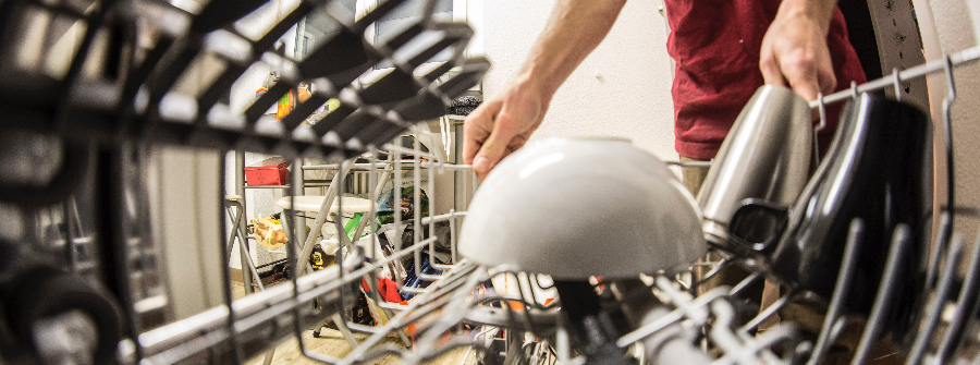 utiliser lave-vaisselle plutôt que laver à la main