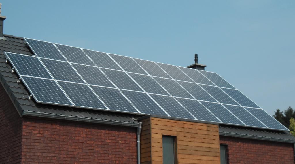 réduire la consommation d'électricité grâce aux panneaux photovoltaïques